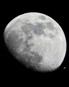 International Space Station seen through a telescope.  Source: NASA /Commons Wikimedia