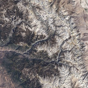 Kings Canyon CA snowpack in 2002.  Source: NASA/Commons Wikimedia