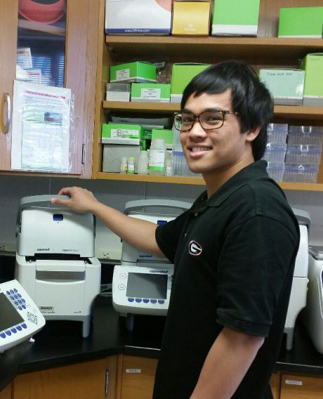 Senior undergraduate Dorbin Abendano completes a successful semester of research